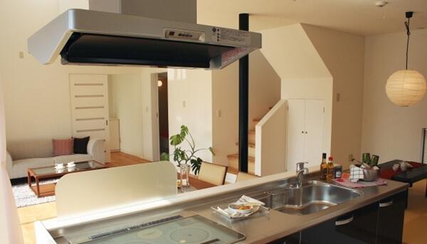 建物の外装や内装の仕様を変更することでも家づくりのコストダウンは出来た