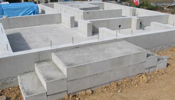 戸建住宅のベタ基礎工事での雑コン・仕上げの解説