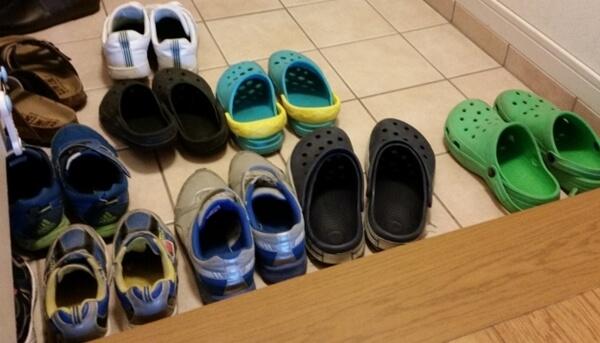 注文住宅の玄関の収納計画に失敗して靴を片付ける場所がない