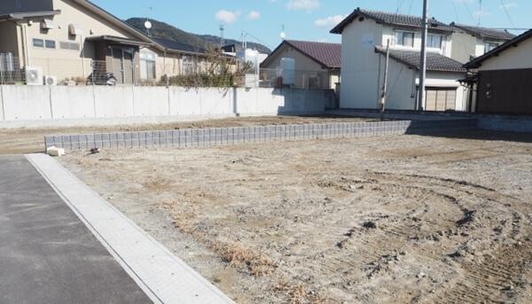 家づくりが出来る土地である、建築条件付き土地の画像