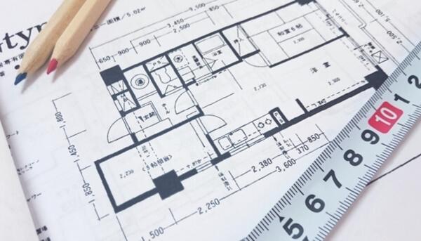 注文住宅と分譲マンションの購入費用の相場だけでなく、住居面積を比較