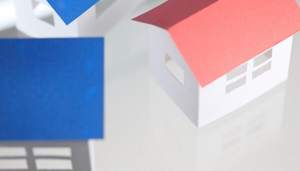 注文住宅での視線に関する失敗をしないように設計図面で隣家の状態について検討した