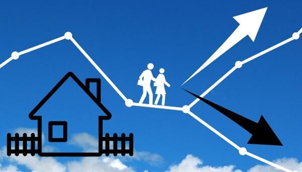 注文住宅にするか建売住宅にするか迷っている家族